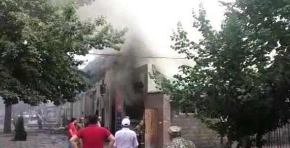 Во время пожара в ресторане на Молодой Гвардии пострадали 4 человека