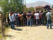 После разгона толпы милицией в селе Аксай, в больницу поступили  9 человек