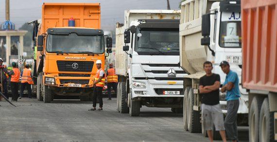Движение грузовых автомобилей по дорогам Бишкека запрещено до 1 сентября