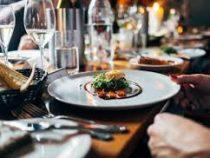 Штрафы за недоеденную еду ввели в одном из ресторанов Чехии