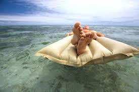 Спящий итальянец пересек Мессинский пролив на надувном матрасе