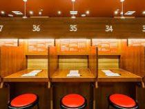 В Японии появились рестораны для интровертов