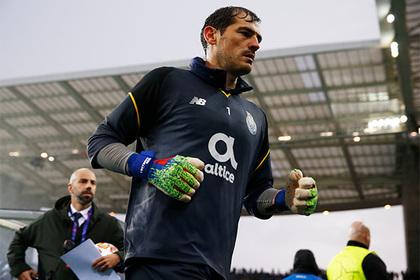 Переживший инфаркт Касильяс решил вернуться в футбол