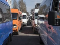 Вопрос повышения тарифов за проезд в маршрутках вБишкеке остается открытым
