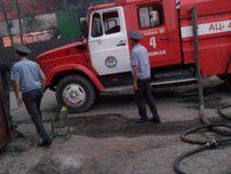 Пожар на складе в восточной части Бишкека тушили около 7 часов