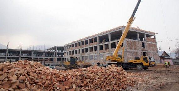 До конца этого года в Кыргызстане построят 39 школ