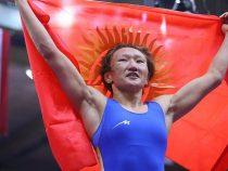 Айсулуу Тыныбекова вышла финал Чемпионата мира по борьбе