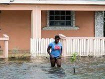 Ураган «Дориан» ослаб до третьей категории