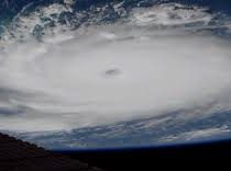 Число жертв урагана «Дориан» на Багамах возросло до 30