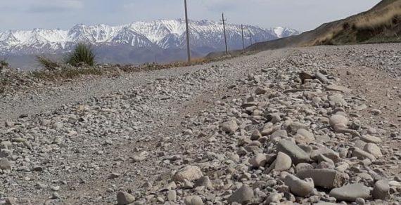 В Нарынском районе начался ремонт дороги Баетов—Кош-Добо
