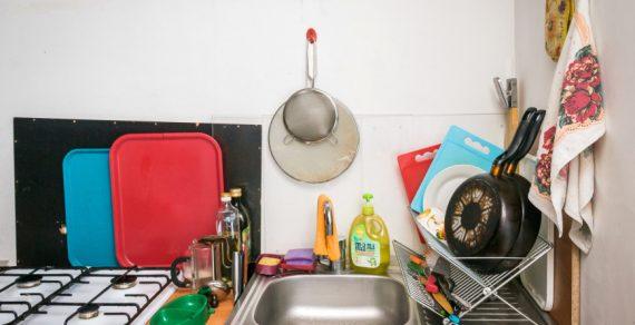 Грабитель ворвался в дом, чтобы приготовить себе еду