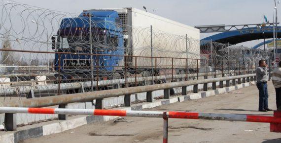 В Кыргызстане за работой таможенников будут следить онлайн