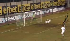 Футболист забил гол ударом скорпиона