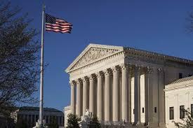 Верховный суд США разрешил администрации президента ограничить предоставление убежища мигрантам