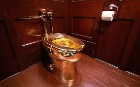 В Великобритании из Бленхеймского дворца  выкрали золотой унитаз