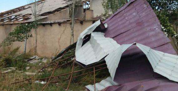 В Караколе минувшей ночью прошел сильный ураган