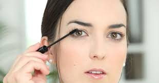 Девушка плохо смывала макияж, и это привело к невероятным последствиям
