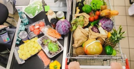 Бишкекчане на среднюю зарплату могут купить 70 кг говядины, москвичи – в три раза больше