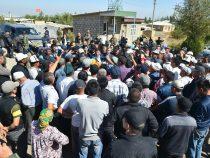 Премьер-министр встретился с жителями приграничного села