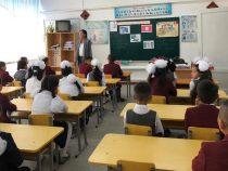 Школы в селах Максат и Эскоочу возобновили работу
