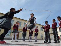 В связи с отключением воды несколько школ и детских садов в Бишкеке не будут работать