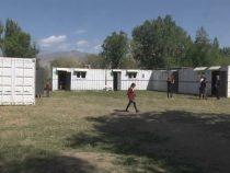 Школа из контейнеров. До наступления холодов дети продолжат учебу в клубе