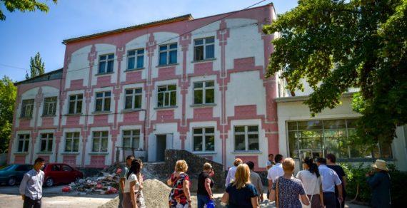 В Бишкеке завершился ремонт школ и детских садов
