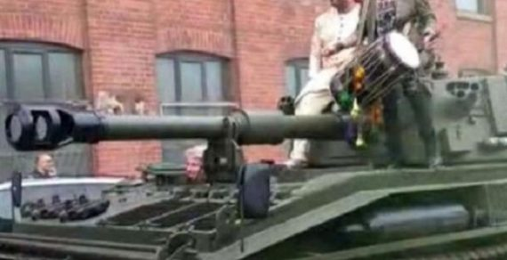В Британии сын миллионера приехал на свою свадьбу на танке
