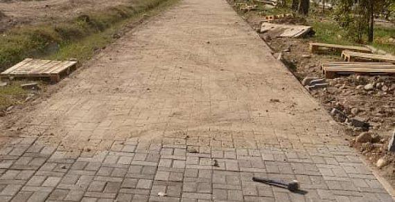 Ремонт тротуара на улице Тыналиева завершится через две недели