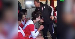 Тренер турецкого клуба надавал футболистам пощечин