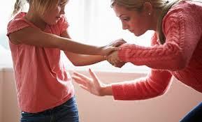 В Шотландии принят законопроект, который запрещает родителям шлёпать своих детей