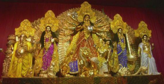 Статую из чистого золота установили в Индии