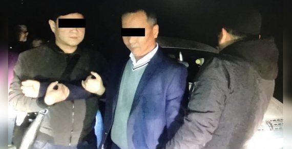 В Кара-Куле при получении взятки задержаны судья и замначальника ОВД