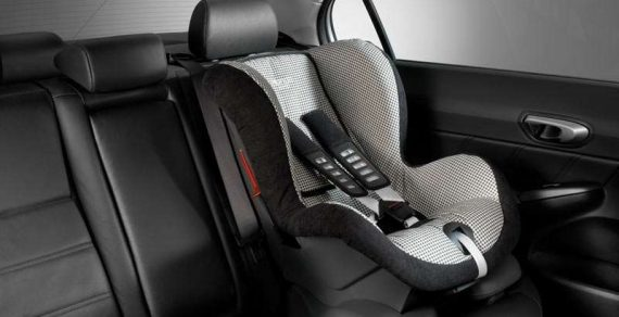 ГУОБДД: Перевозить детей в авто без детского кресла запрещено