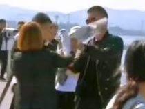Туристы в Китае насильно пытались покормить чайку ради фото