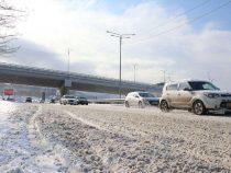 Несмотря на обильный снегопад стратегические автотрассы открыты для проезда