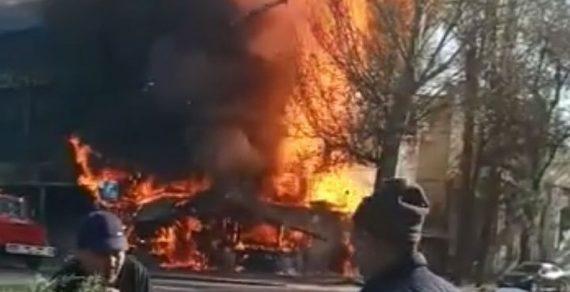 В Бишкеке при пожаре в фастфудной пострадали 12 человек, один погиб