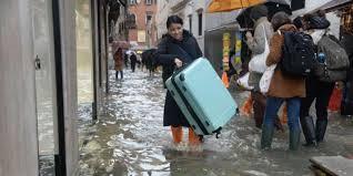 Италия просит у мира помощи