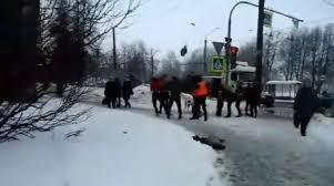 В центре Москвы дворники устроили массовую драку