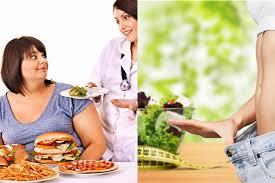 Медики назвали плохие привычки в еде, из-за которых обрастают жирком