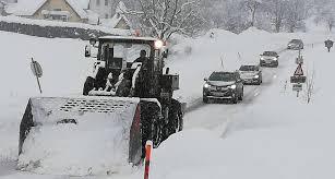 Сильнейший снегопад обрушился на Австрию