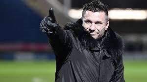 Миллионер купил футбольный клуб и назначил себя главным тренером