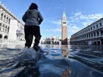 В Венеции после серии наводнений обстановка возвращается к норме