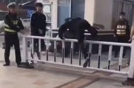 Пешеходам — нарушителям устроили «физкультминутку»