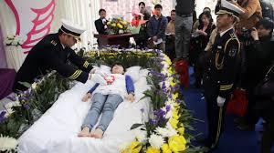 Умереть, чтобы жить: в Южной Корее стали популярны репетиции похорон