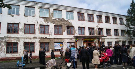 Премьер-министр: В 2020 году отремонтируют все аварийные школы