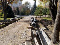 Мэрия Бишкека начала реконструкцию в сквере имени Горького