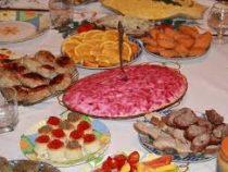 Названы самые опасные блюда на новогоднем столе