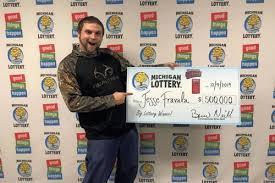 Везунчик поверил в сон и выиграл в лотерею