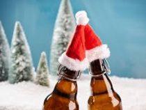 «Выпить елку»: в Нидерландах угощают пивом из новогодних деревьев, выброшенных прошлой зимой